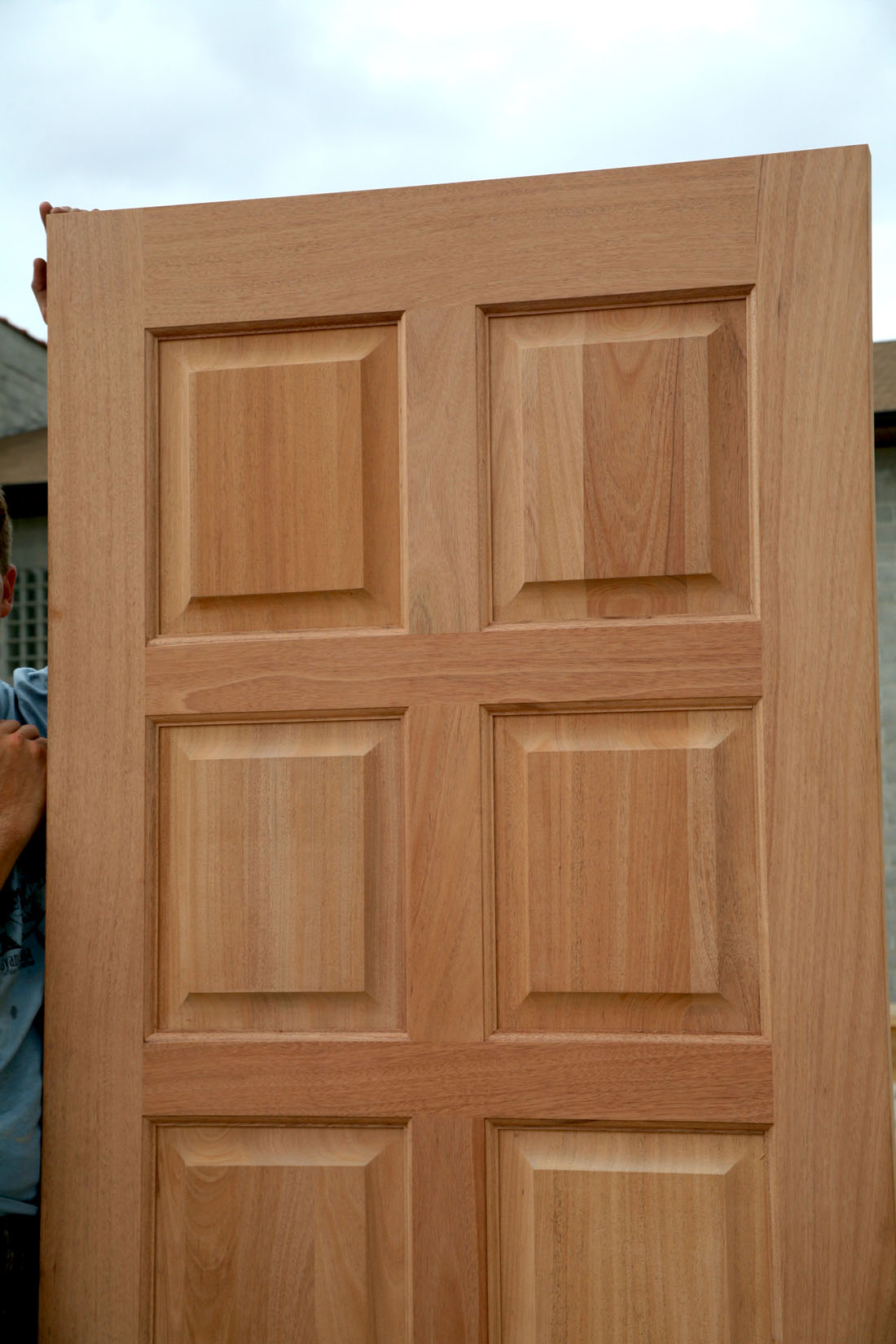 Clearance exterior doors carved exterior door clearance for Cheap exterior doors