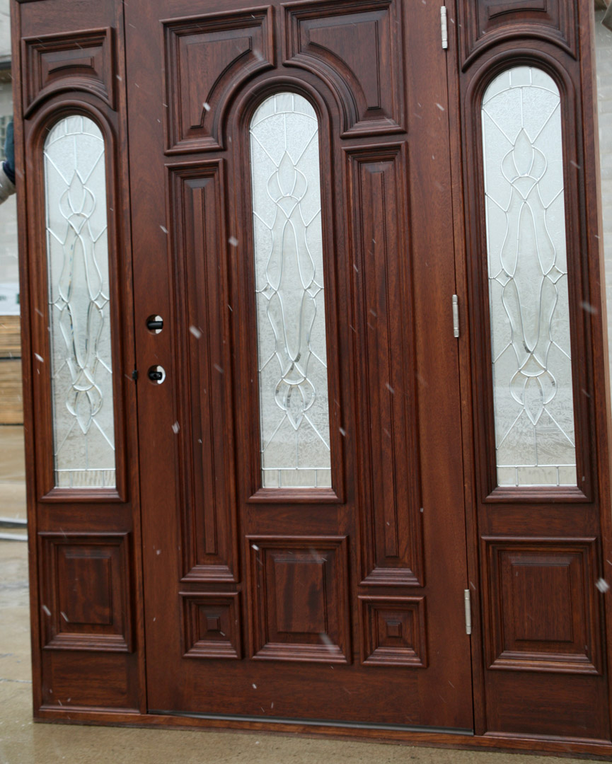 Mahogany doors round top carved mahogany doors rm for Mahogany exterior door