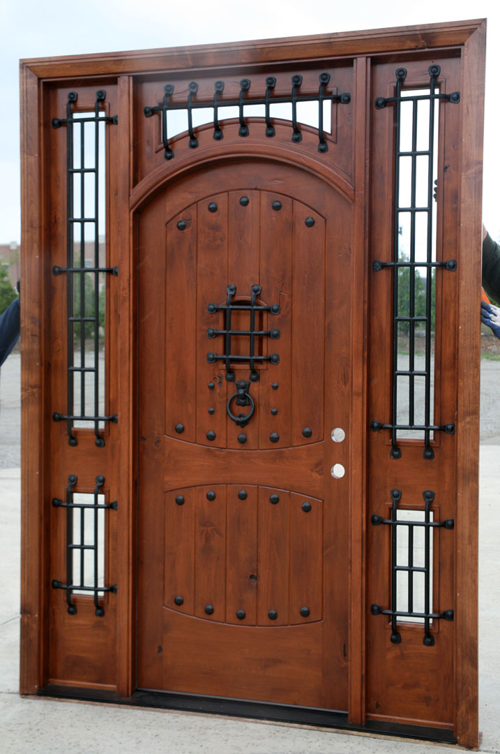 Rustic doors exterior alder doors arch top door for Wooden outside doors