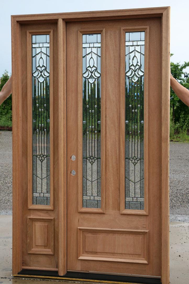Solid Mahogany Door - Exterior Wood Door with 1 Sidelight