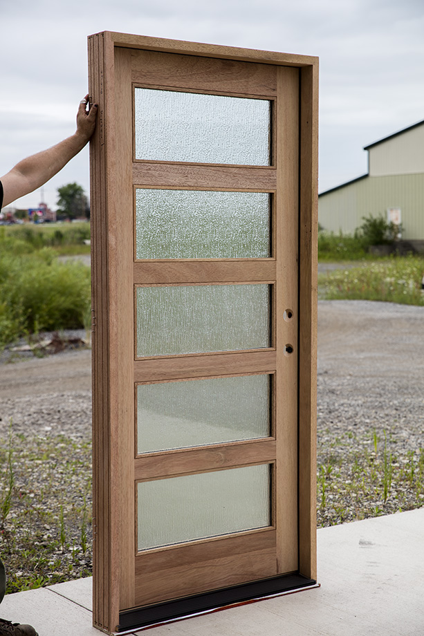 Shaker Exterior Door With Rain Glass