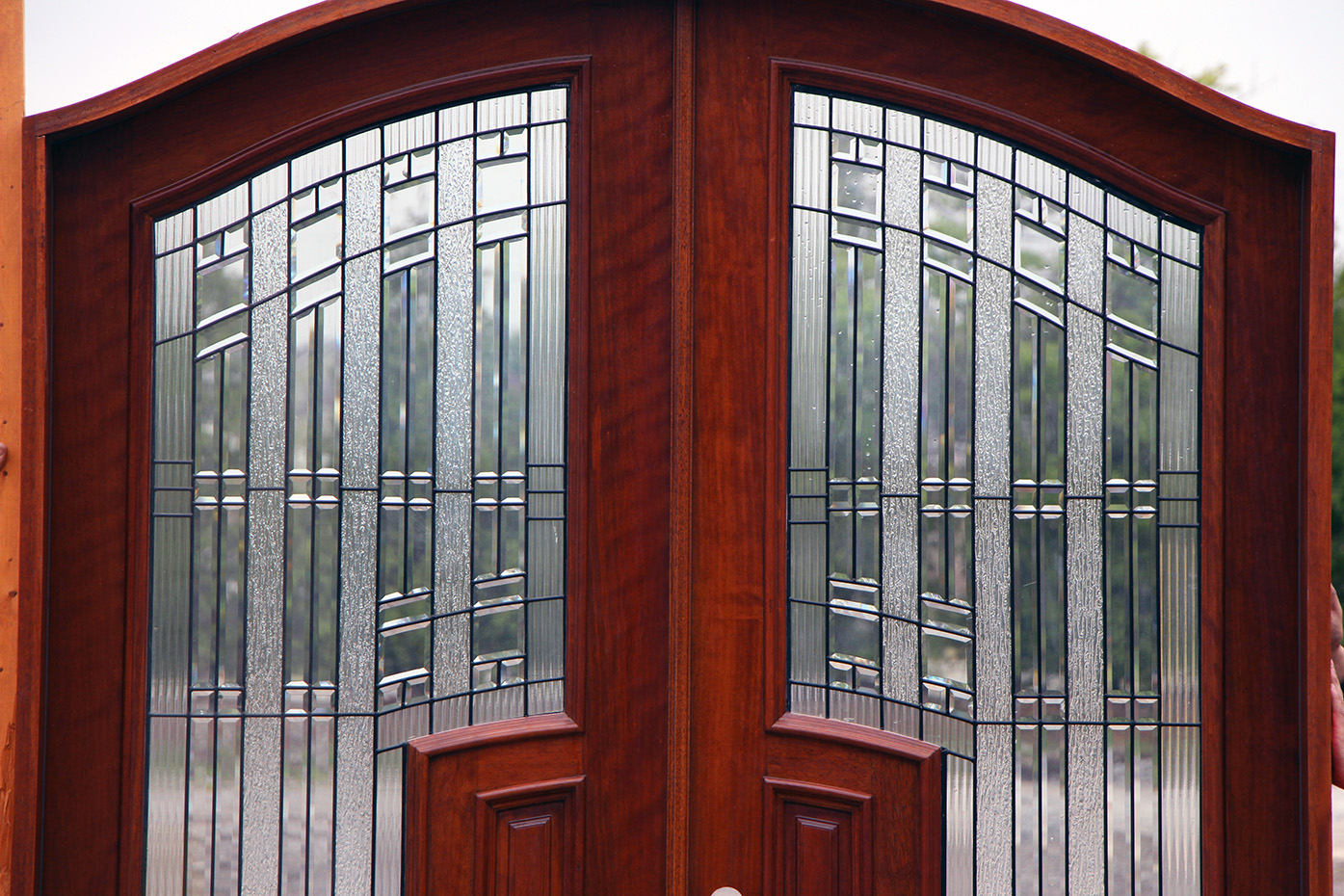 930 #6A241A African Mahogany Arched Top Double Doors image Arched Wood Entry Doors 40831395