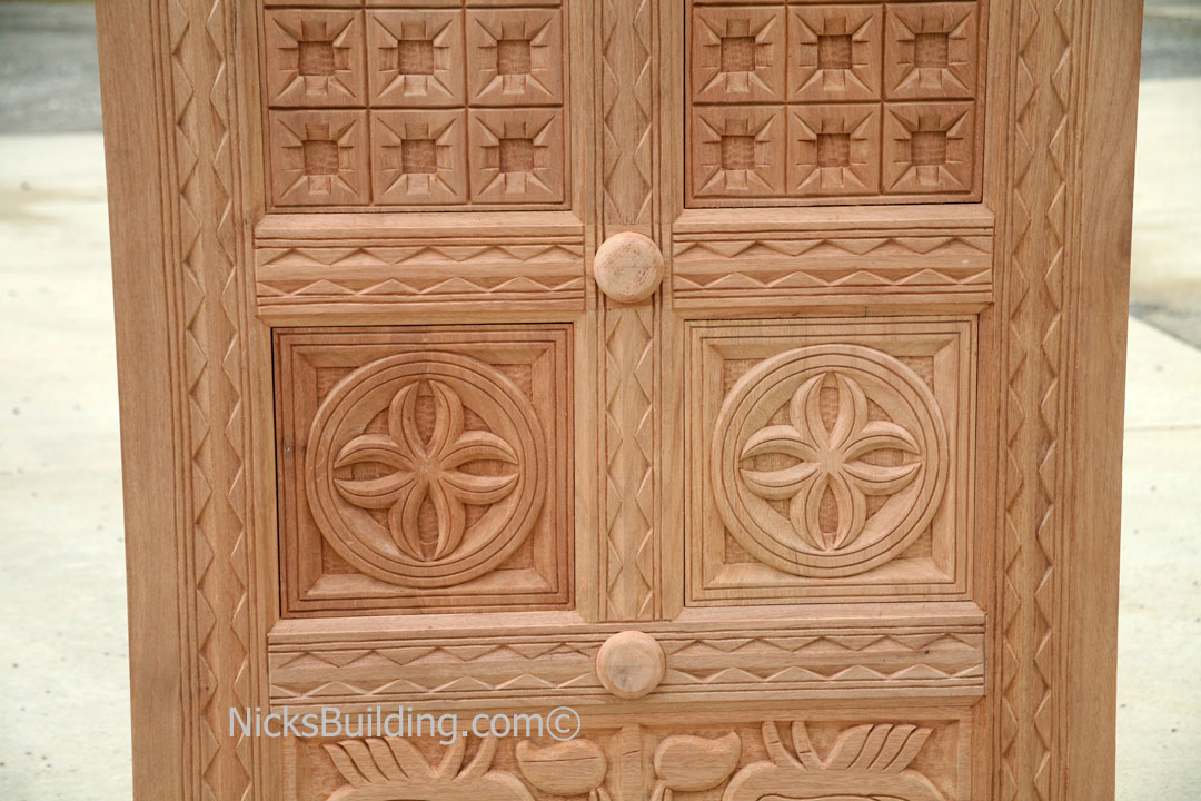 Carved wood doors hand carved wood doors bombay for Wood carving doors photos