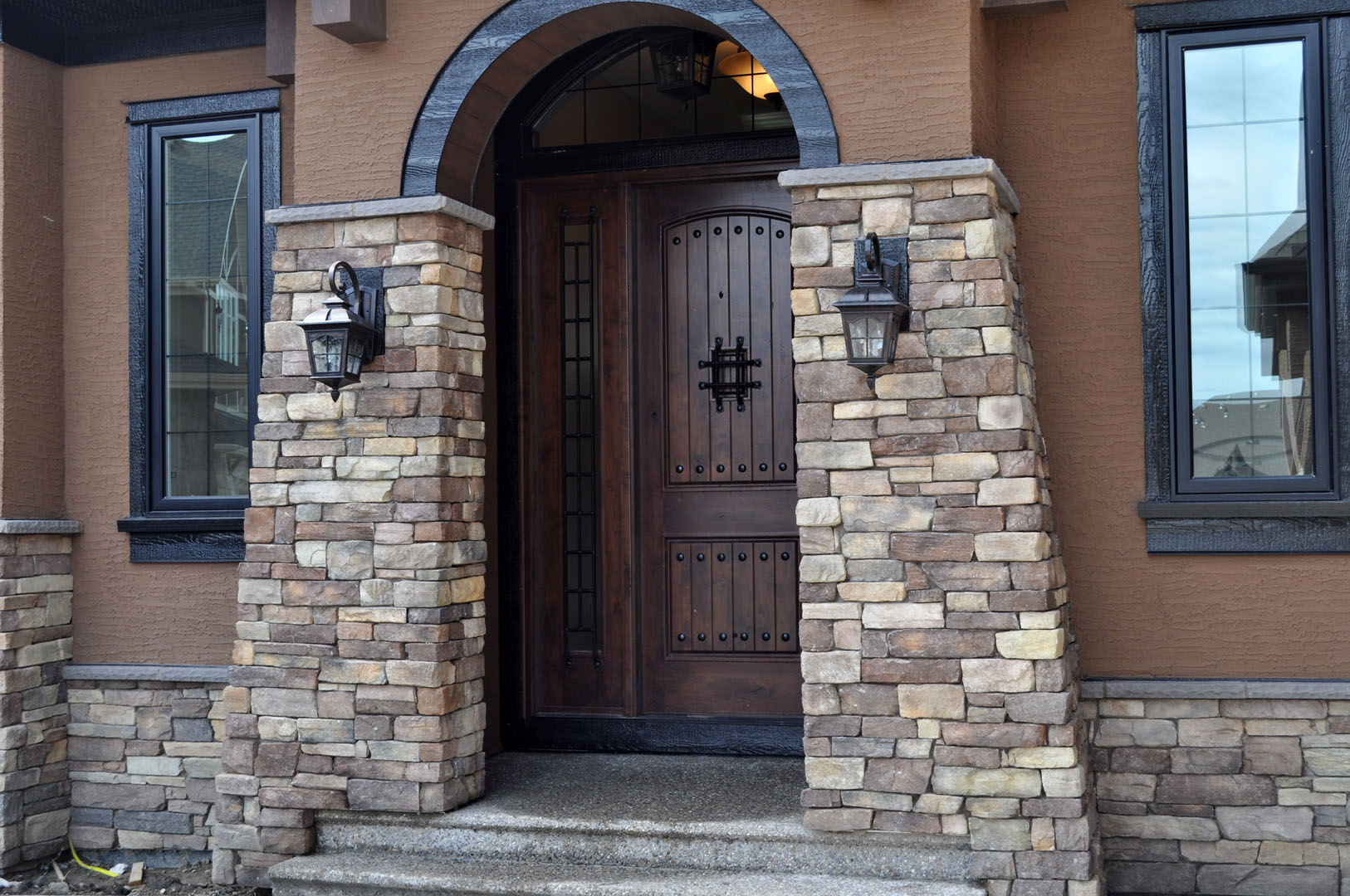 Rustic Front Entry Doors Examples, Ideas & Pictures | megarct.com ...