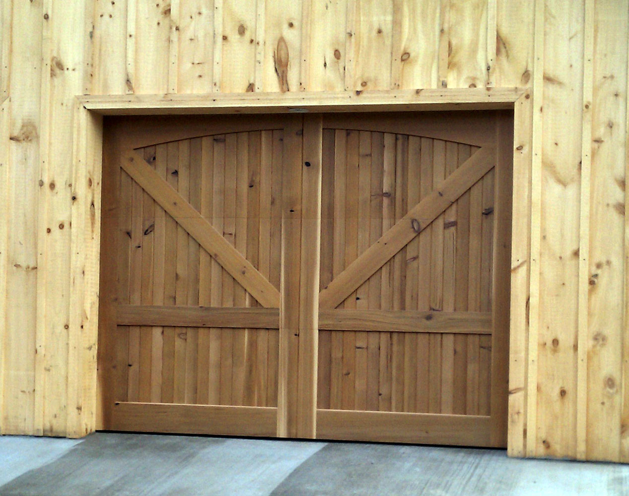 Doors To Garage: Wooden Overhead Door